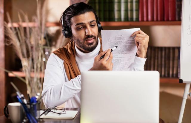 インド人 英語 WEB会議
